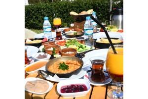 Şellale Cafe & Restaurant'tan Serpme Ve Açık Büfe Kahvaltı Seçenekleri