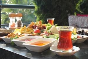 ArenaPark AVM Verona Cafe'de Sınırsız Çay Eşliğinde Taze Lezzetlerle Dolu Serpme Kahvaltı Keyfi