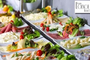 Taxim Lounge Hotel'de Zengin İçeriğiyle Açık Büfe Kahvaltı Keyfi