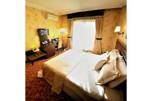 Pera Rose Hotel'de Kahvaltı Dahil Çift Kişilik Konaklama