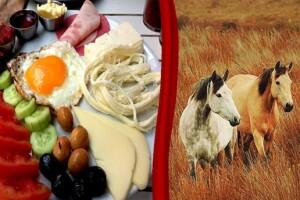 Sarıyer Hasat Çiftlik'te At Gezisi ve Sınırsız Çay Eşliğinde Kahvaltı Menüleri