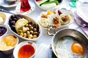 Çankaya Engelsiz Dünya Cafe'de 22 Çeşit Enfes Serpme Kahvaltı