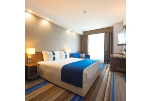 Holiday Inn Express İstanbul Airport Hotel'de Tek/Çift Kişi Konaklama Seçenekleri