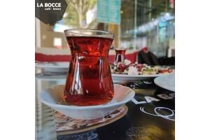 Çankaya La Bocce Cafe'de Sınırsız Çay ve Portakal Suyu Eşliğinde Enfes Serpme Kahvaltı Keyfi