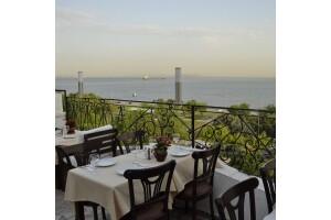 Marbella Cafe'de Muhteşem Deniz Manzarasına Nazır Kahvaltı Keyfi
