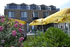 Urla Burla Han Hotel'de Çift Kişilik Kahvaltı Dahil Konaklama