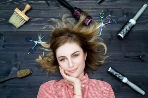 A Kalite Saç Tasarım Merkezi'nden Kesim, Bakım, Fön, Boyadan Oluşan Saç Bakım İşlemleri