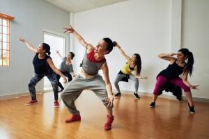 Akademi Pera Dans Stüdyo'dan 1 Aylık Salsa, Bachata, Hip-Hop, Kizomba Kursu