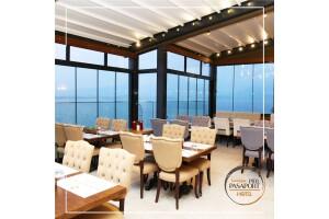 Konak Pasaport Pier Hotel'de Deniz Manzarası Eşliğinde Açık Büfe Kahvaltı Keyfi
