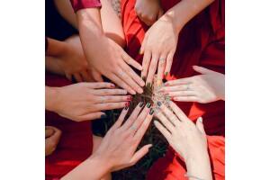 Eyüp Betül Kaplan Kuaför'den Masaj ve Manikür & Pedikür Uygulamaları