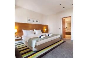 BH Conference & Airport Hotel'de Kahvaltı, Akşam Yemeği Dahil Çift Kişilik Konaklama Paketi
