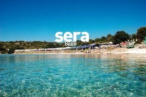 Çeşme Sera Beach'te Yazın Tadını Doyasıya Çıkarmanız İçin Serpme Kahvaltı veya Yerli İçecek İçeren Plaj Girişi Seçenekleri
