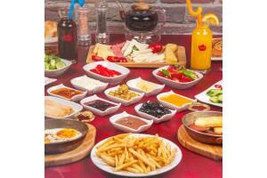 Demlik Cafe İstMarina'da Damağınıza Layık Serpme Kahvaltı