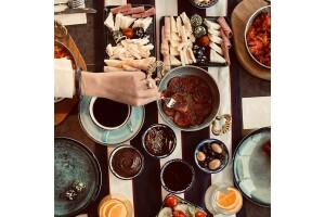 Galata Times Boutique Hotel'de Zengin İçerikli Açık Büfe veya Serpme Kahvaltı Keyfi