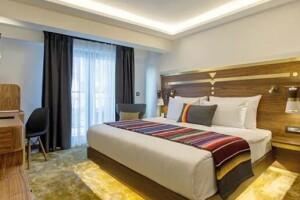 HAY Hotel Alsancak'ta Konfor Dolu Çift Kişilik Konaklama