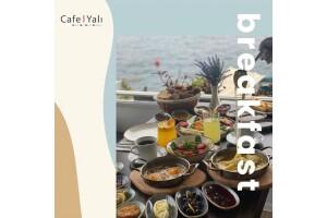 Yeniköy Yalı Cafe Restaurant'da Boğaz Manzarası Eşliğinde Zengin Serpme Kahvaltı Keyfi