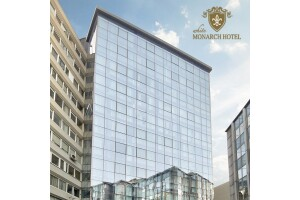 White Monarch Hotel'de Çift Kişilik Konaklama Keyfi