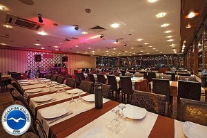 Moda Spor Kulübü Restaurant'ta Her Salı Sıra Gecesi Eşliğinde Akşam Yemeği