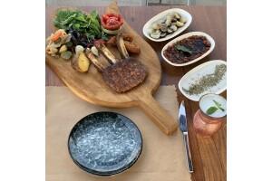 Yanık Köşk Restaurant'tan Metrelik Kebap ve Efsanevi Medrib Kebap Menüleri