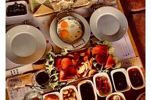 Dubai Cafe'den Leziz Serpme Kahvaltı Menüsü