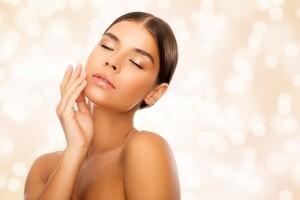 Norm Güzellik Merkezi'nden Cilt Bakımı, Kalıcı Oje ve Microblading Uygulamaları / Saç Bakımı Hediye!