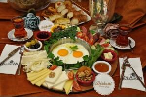 Biskotti Pasta & Cafe'den Serpme Kahvaltı