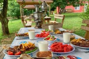 Polonezköy Mimoza Park Restaurant'ta Enfes Kuzu Şiş Yemek Menüsü
