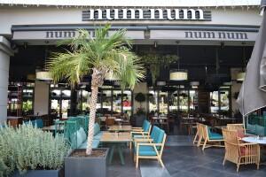 Num Num Cafe & Restaurant'ta 2 Kişilik Serpme Kahvaltı Keyfi