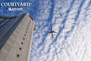 Courtyard by Marriott İstanbul West Hotel'de Deluxe Odada 2 Kişi Kahvaltı ve Spa Kullanımı Dahil Konaklama Keyfi