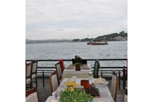 Galapera Restaurant'ta Boğaz Manzarasında Enfes Yemek Menüleri