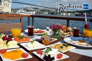 Ortaköy Radisson Blu Bosphorus Hotel'de Boğaza Nazır Serpme Kahvaltı Keyfi