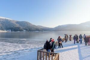 Her Cumartesi Hareket 5* WYNDHAM veya 4* LUXOR Otel Konaklamalı Kayak & Kızak & Snowboard, Lux Spa ve Kapalı Havuz Kullanımlı Kartepe Abant Ormanya Turu