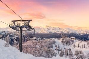 Her Cumartesi Hareketli 5 Yıldızlı WYNDHAM veya Luxor Otel Konaklamalı Kayak & Kızak & Snowboard, Lux Spa ve Kapalı Havuz Keyfi Dahil Kartepe Maşukiye Turu