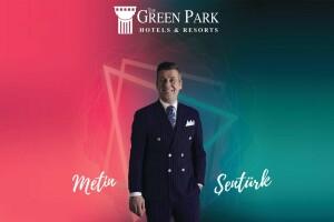 The Green Park Hotel Pendik'te Metin Şentürk Sahnesi ve Limitsiz İçecek Eşliğinde Akşam Yemeği