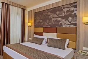 Pera Arya Hotel'de Çift Kişilik Kahvaltı Dahil Konaklama