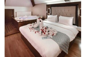Sera Lake Resort Hotel'de Kahvaltı Dahil Konaklama Seçenekleri
