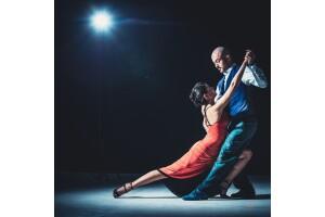 Taksim Tango Tek Dans Kursu'nda 1 Aylık Tango Eğitimi