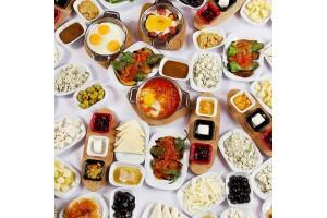 Kocamustafapaşa Afife Cafe'de Enfes Serpme Kahvaltı Menüsü