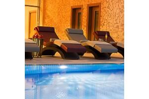 Ataköy Ramada Hotel & Suites By Wyndham İstanbul Hotel'de Tam Gün Islak Alan Kullanımı ve Masaj Paketleri