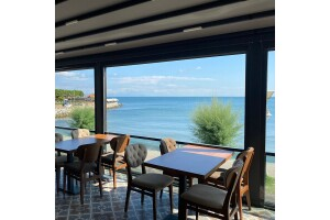 Majestic Cafe'de Deniz Manzaralı İçecek Dahil Yemek Menüleri