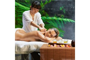 Matsu Spa Orange Hotel'de Yenileyici Kese Köpük & Masaj Seçenekleri