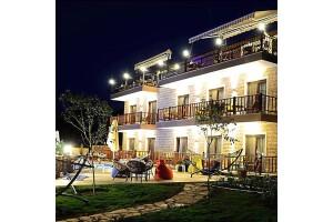 Selimiye Saklı Bahçe'de Havuz Manzaralı Odalarda Kahvaltı Dahil Konaklama
