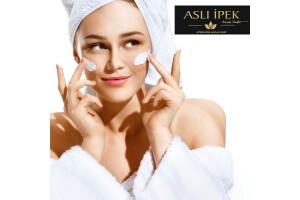 Aslı İpek Beauty Center'da 14 Aşamalı Derinlemesine Medikal Cilt Bakım Uygulaması